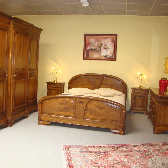 magasin de meubles vente lit merisier b blenheim mulhouse. Black Bedroom Furniture Sets. Home Design Ideas