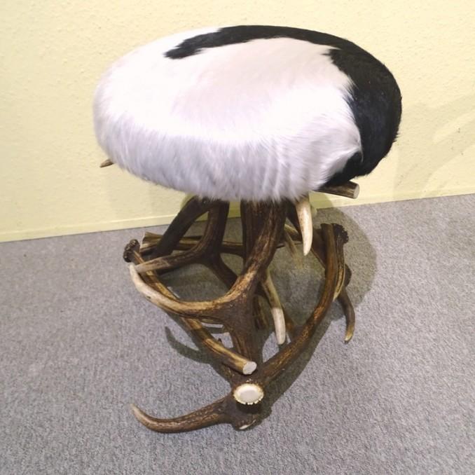 Tabouret-pouf en bois de cerf