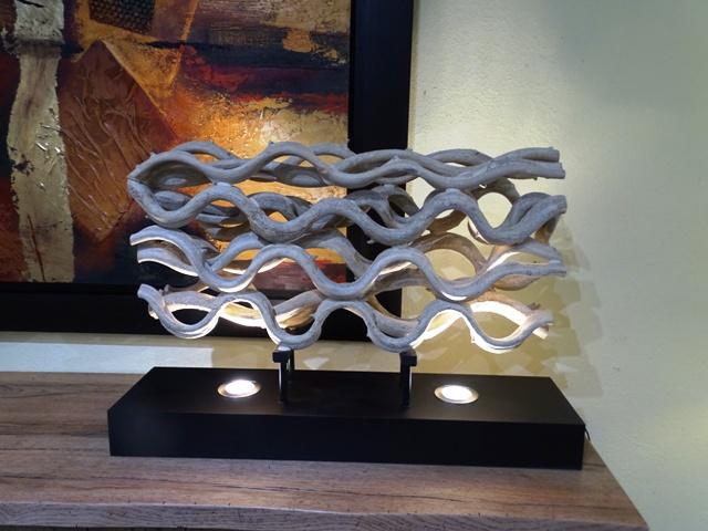 Lampe sculpture en bois flotté
