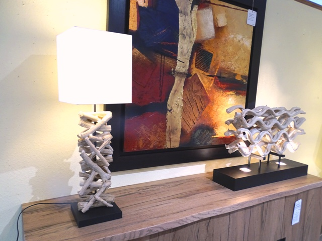 lampe en bois flott meubles kautzmann. Black Bedroom Furniture Sets. Home Design Ideas
